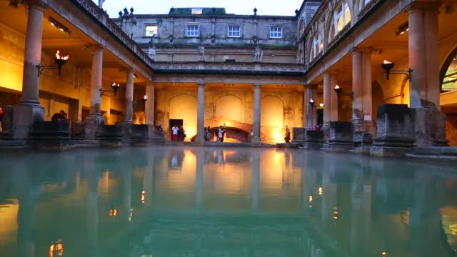 stockvideo's en b-roll-footage met bath, view of the roman bath - archeologie