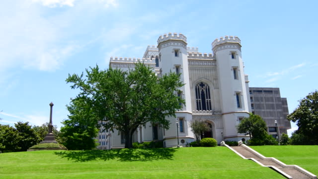 baton rouge louisiana old state capit classic mansion in southern government - baton rouge stock-videos und b-roll-filmmaterial