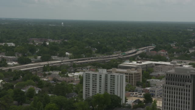 wgno baton rouge louisiana us highway and industrial buildings on wednesday may 17 2017 - luisiana stock videos and b-roll footage