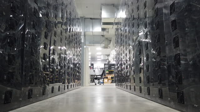 batteries at vista energy storage facility. the project is a 40-megawatt battery storage, its developer is power, using samsung sdi lithium ion... - lithium ion battery stock videos & royalty-free footage