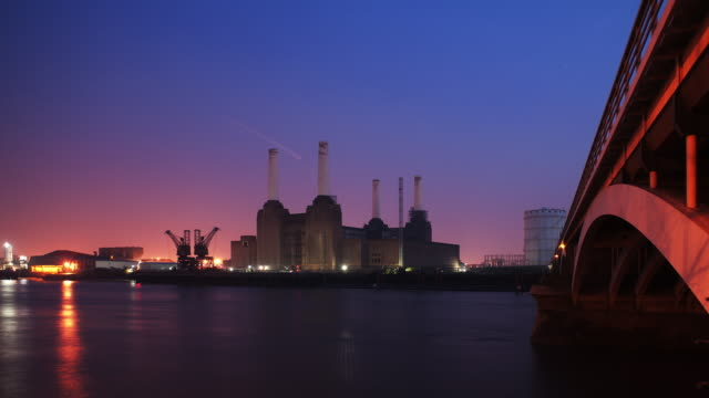 t/l ws battersea power station dusk to night - battersea stock videos & royalty-free footage