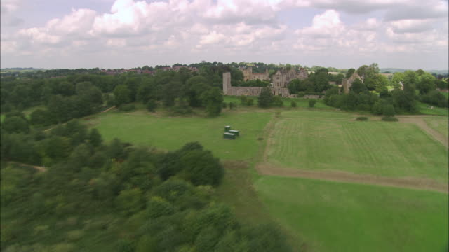 battle abbey and battlefield - abbey stock videos & royalty-free footage