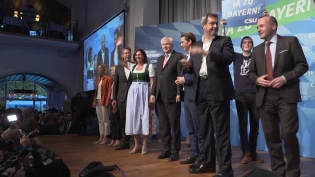 vídeos y material grabado en eventos de stock de bavarian conservatives of the csu end their election campaign for sunday's regional elections with a rally attended by austrian chancellor sebastian... - cultura austríaca