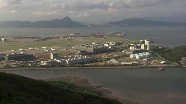 ws ha bay and airport, hong kong, hong kong, china - hong kong international airport stock videos and b-roll footage