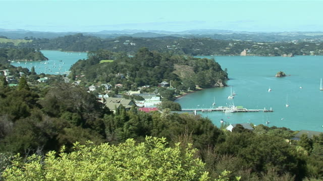 ws ha pan bay of islands seen from flagstaff hill / north island, new zealand - bay of islands new zealand stock videos & royalty-free footage