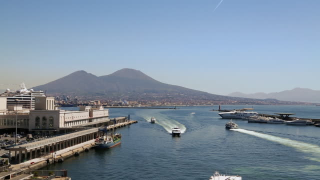 bay of naples with the mount of vesuvius in the backgrond, italy - tourism stock videos & royalty-free footage