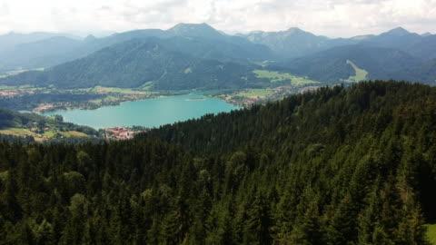 stockvideo's en b-roll-footage met bayern berg see tegernsee - beieren