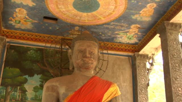 zi bayon temple at angkor thom / angkor, cambodia - male likeness stock videos & royalty-free footage