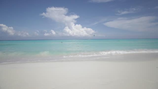 vídeos y material grabado en eventos de stock de playa y mar caribe, la península de yucatán, méxico - playa del carmen