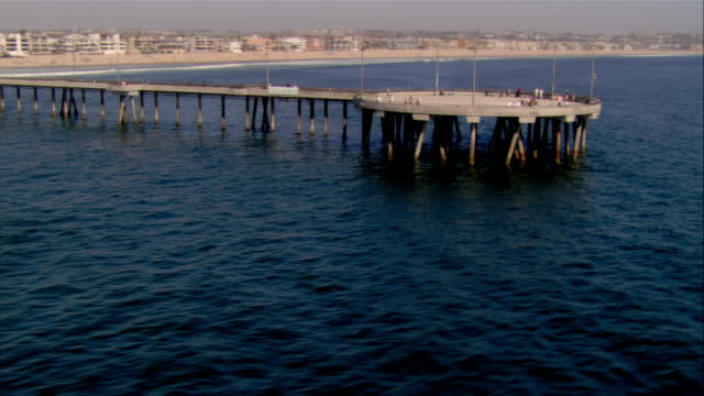 stockvideo's en b-roll-footage met aerial beach and pier, california, usa - noordelijke grote oceaan