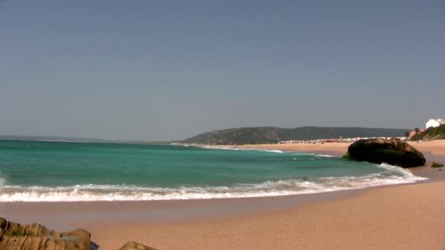 vídeos y material grabado en eventos de stock de playa de cádiz - land