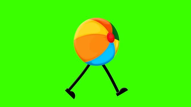 vídeos y material grabado en eventos de stock de pelota de playa loopable caminar en un fondo de pantalla verde maqueta - natación