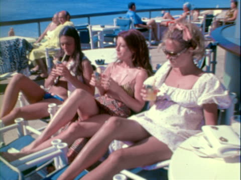 beach crowds - cocktail stock videos & royalty-free footage