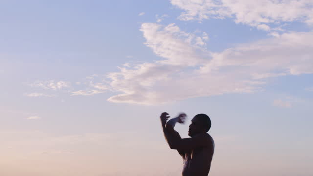 beach dancing - dansa balett bildbanksvideor och videomaterial från bakom kulisserna