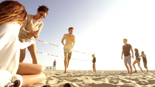 Zeitlupe-Strand Freunde-Gruppe