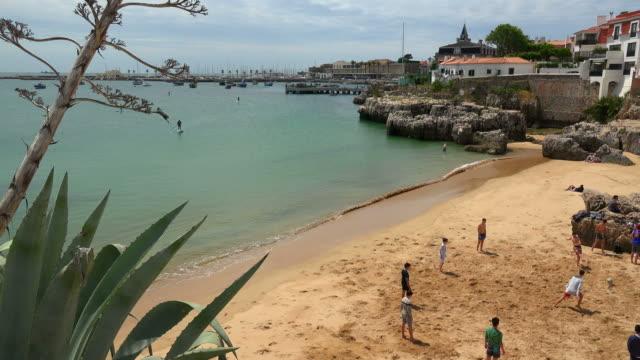 beach in cascais, coast of lisbon, portugal - カスカイス点の映像素材/bロール