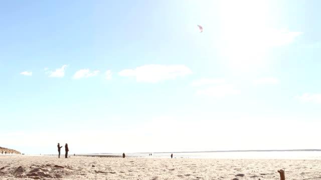 Strandleben, Kite-Surfer