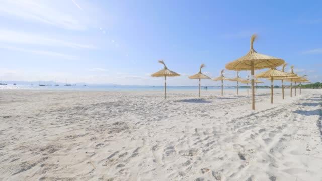 アルクディアのビーチ、マヨルカ島、スペイン - バレアレス点の映像素材/bロール