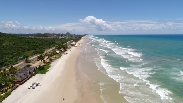 vídeos de stock, filmes e b-roll de praia dos milhonarios em ilhéus, bahia, brasil - litoral