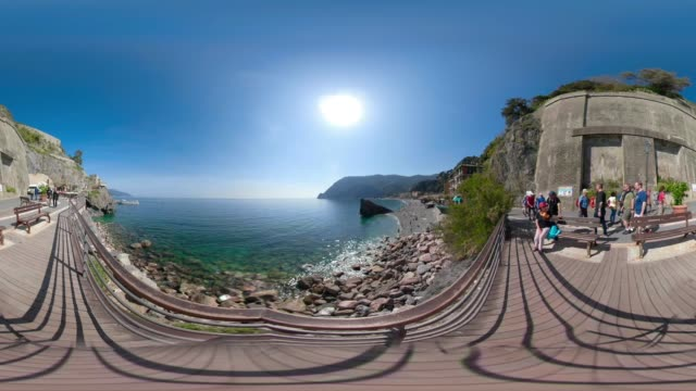 360 vr / beach of monterosso at the mediterranean sea - 360 video stock videos & royalty-free footage