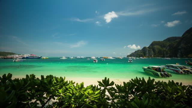 在皮皮皮皮島的甲島南部,泰國安達曼海的海灘。 - 披披群島 個影片檔及 b 捲影像