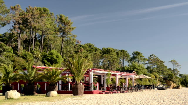 beach restaurant - wide shot stock videos & royalty-free footage