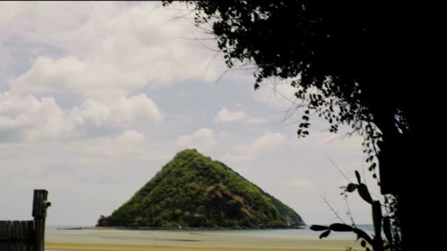 ビーチタイ - nautical vessel点の映像素材/bロール