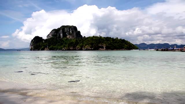 vídeos de stock, filmes e b-roll de praia ((hd - acampamento de férias
