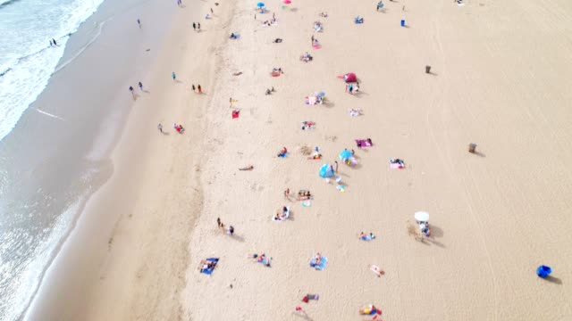 stockvideo's en b-roll-footage met strand - toerist