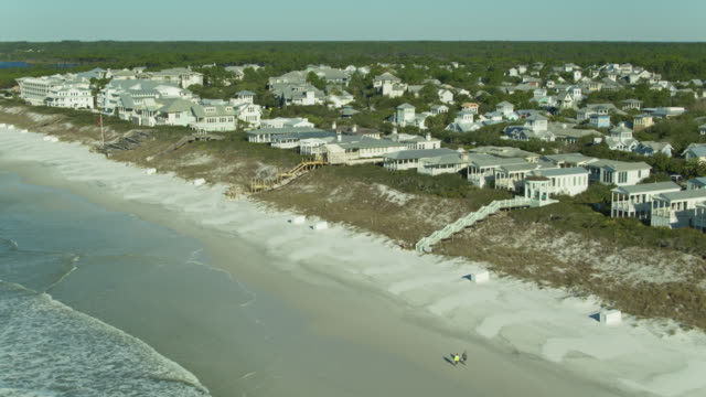 beachfront houses in watercolor, florida - aerial - gulf of mexico stock videos & royalty-free footage