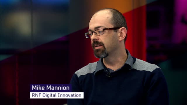 london int anna minton and mike mannion live studio discussion sot - ジャッキー ロング点の映像素材/bロール