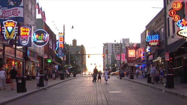 ws beale street at dusk, memphis, tennessee, usa - tennessee stock videos & royalty-free footage