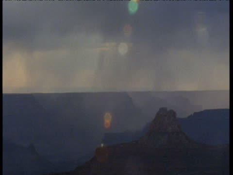 "vidéos et rushes de beams of sunlight shift over grand canyon, arizona - ""bbc natural history"""