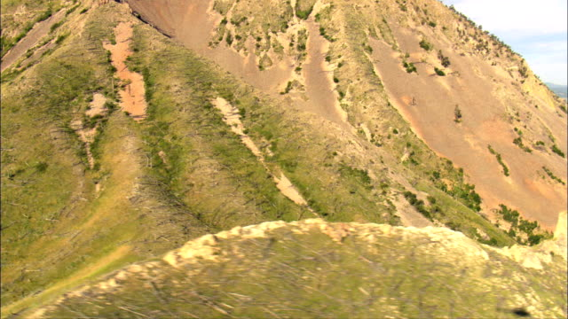 bear butte - aerial view - south dakota,  meade county,  united states - butte rocky outcrop stock videos & royalty-free footage