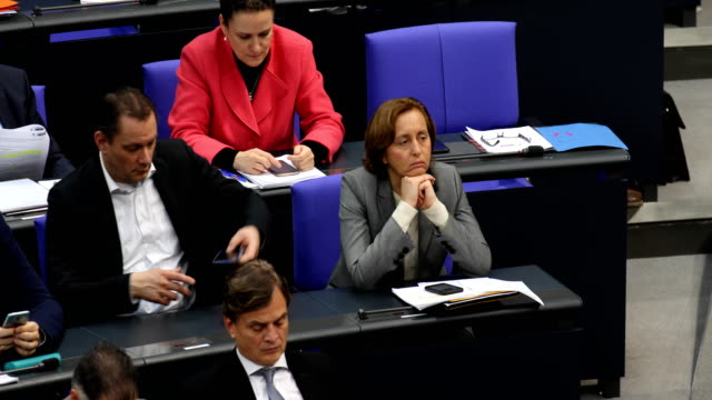 beatrix von storch of the rightwing alternative for germany attend debates at the bundestag politicians in the bundestag during the 87th plenary... - debatte stock-videos und b-roll-filmmaterial