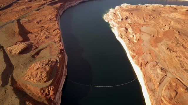 beautiful aerial view of glen canyon dam - glen canyon staudamm stock-videos und b-roll-filmmaterial