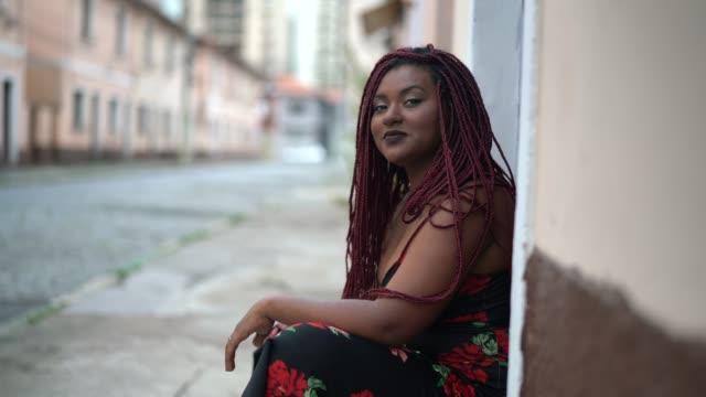 beautiful african woman portrait at street - pardo brazilian stock videos & royalty-free footage