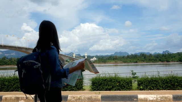Schöne Asia Frau Reisenden