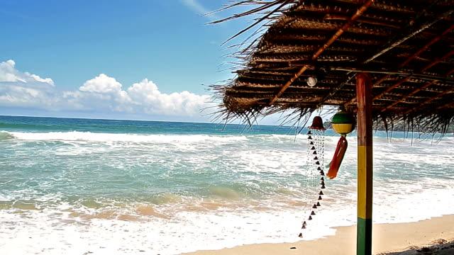 vídeos de stock, filmes e b-roll de bela praia no verão - acampamento de férias