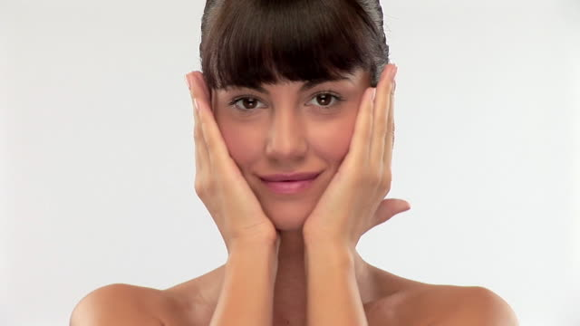 Schöne brunette Frau