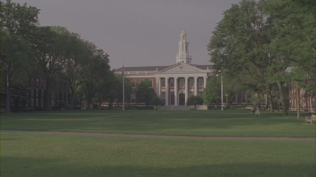 stockvideo's en b-roll-footage met beautiful buildings fill the harvard university campus. - harvard university