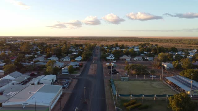 beautiful cloud formation over the town of longreach in outback queensland australia at dawn - town stock videos & royalty-free footage
