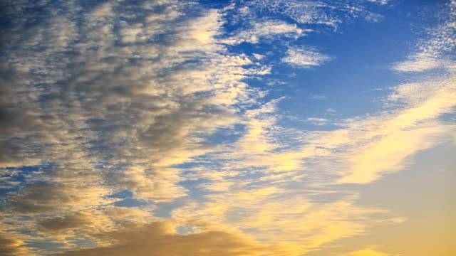 Hermoso nubes.
