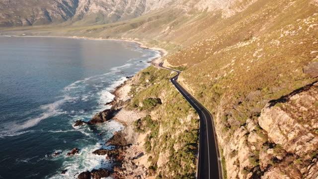 vídeos y material grabado en eventos de stock de hermosa carretera costera, ciudad del cabo - provincia occidental del cabo