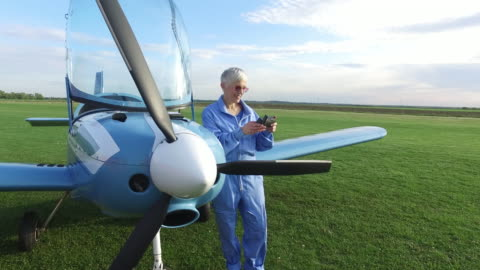 beautiful day for flying - white hair stock videos & royalty-free footage