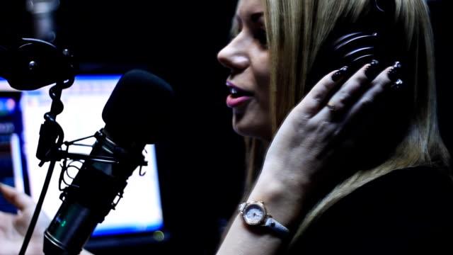 Beautiful DJ Radio Live Show On Air