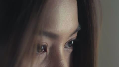 vackra ögon närbild. - iris öga bildbanksvideor och videomaterial från bakom kulisserna