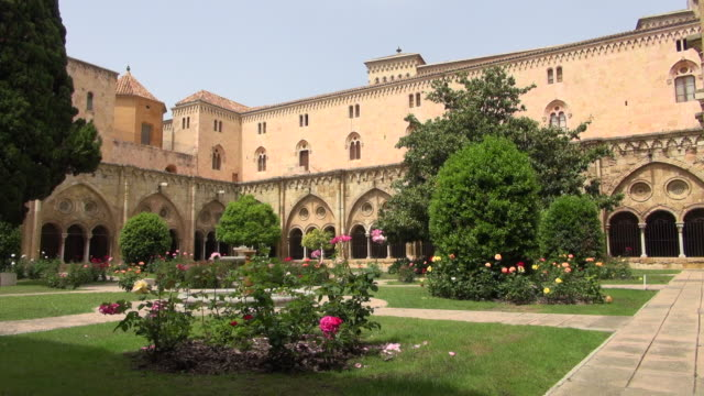 vidéos et rushes de beautiful garden of cathedral: plants and flower - christianisme