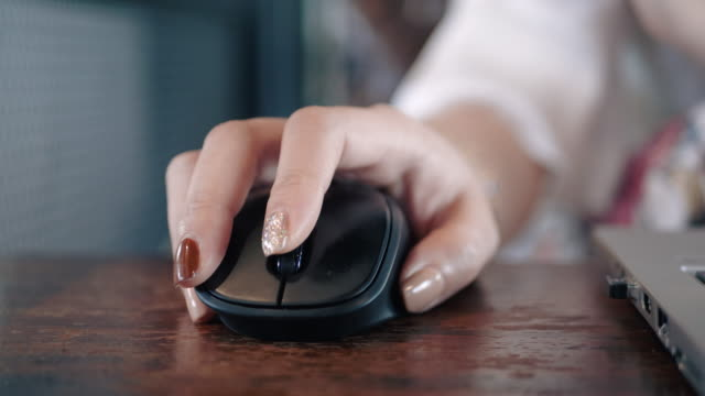 beautiful handbeautiful hand woman working move and click mouse computer in the office/public place. woman working move and click mouse computer - white collar worker stock videos & royalty-free footage