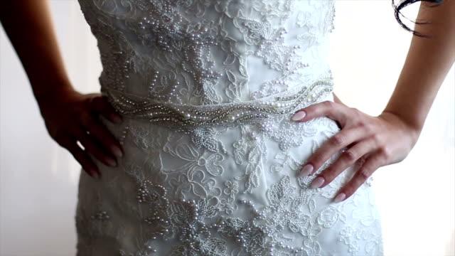 Wunderschönen Händen der Braut